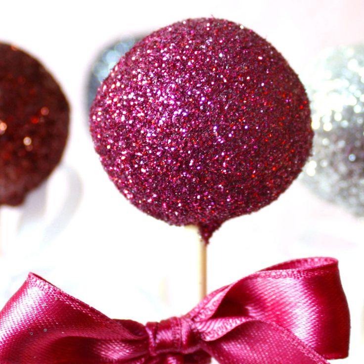 Gold Glitter Cake Pops | ... frohes neues Jahr 2013, die Cake Pops glitzern und funkeln für Euch