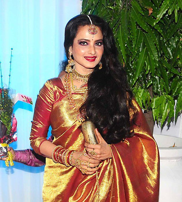 Bollywood diva #Rekha has an inclination towards #traditional Indian jewellery and is always seen flaunting beautiful pieces to match her personality. She is definitely the most glamorous actress ever seen in #Bollywood.