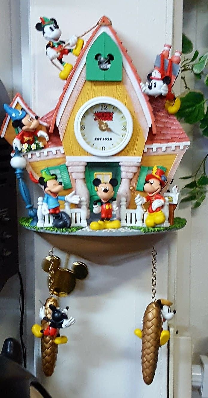 25 Best Ideas About Mickey Mouse Clock On Pinterest