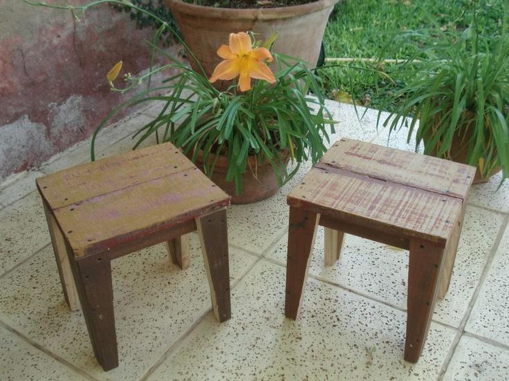 Banquitos en madera 100% reciclada by WOODHEAD  www.facebook.com/WHMUEBLES
