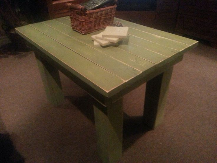 Another skid wood project. Love this little coffee table <3