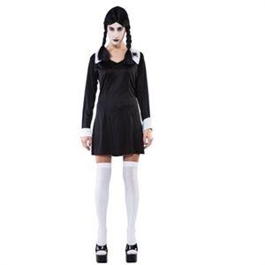 uhyggelig skoleuniform til voksne. Halloween kostume til voksne piger. #halloween #kostume #temafest