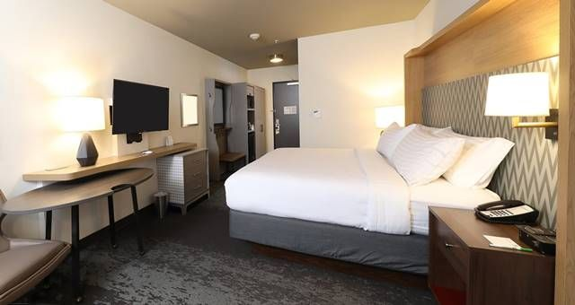 InterContinental Hotels Group (IHG) has unveiled the first Holiday Inn property to open featuring the brand's new H4 design.