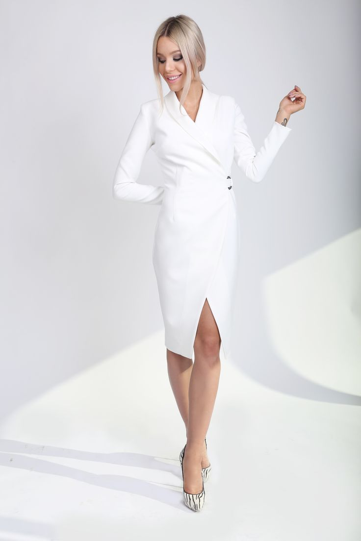 White Trench Coat! http://www.noire.ro/product/white-trench-coat/