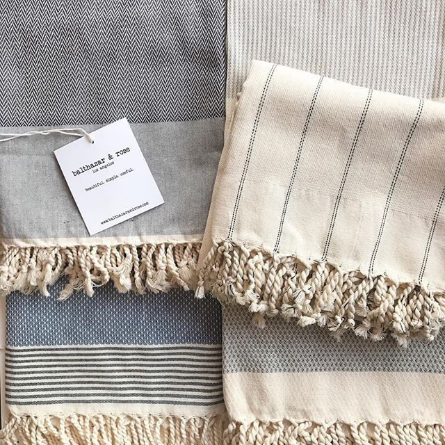 Fouta: A Mediterranean accessory. Can be used as a beach towel, bath/pool towel, sarong, baby blanket, picnic blanket, tablecloth, shawl, indoor/outdoor throw, or the perfect gift! 🙌🏼😍 #kingfisherroad #balthazarandrose #gift #kfrstyle #home #fashion #baby #summer #fall