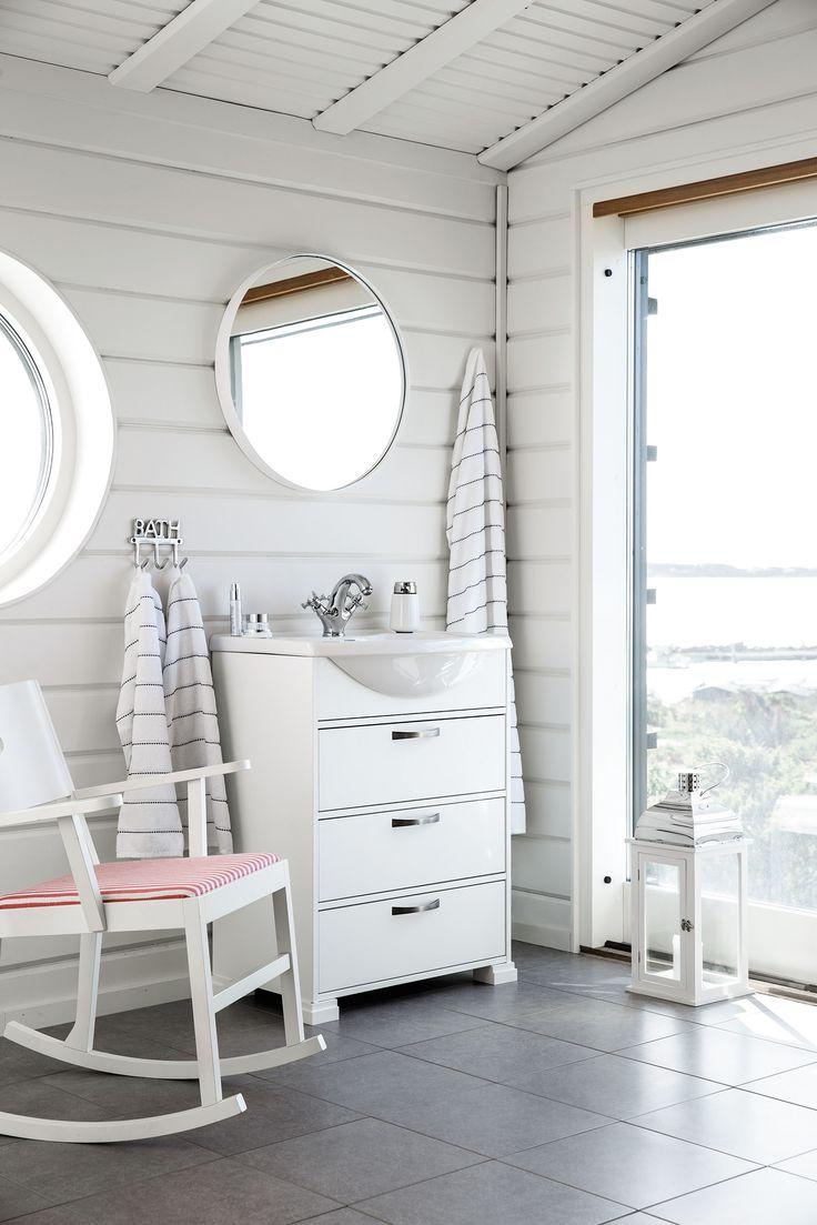 SVEA vanity unit. SVEA dee handle pewter. CLASSIC porcelain washbasin.