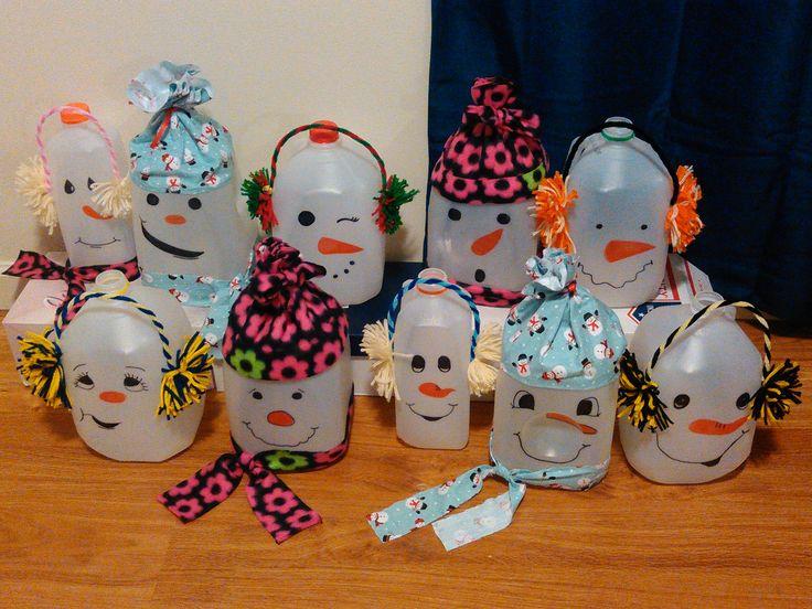 Milk jug Snowmen Milk jug crafts, Milk jugs christmas