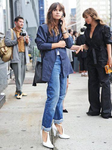ロールアップデニムにマニッシュなジャケットを合わせてカジュアルかっちり決める♪ アラフォー(40代)女性におすすめのボーイズデニムコーデ。