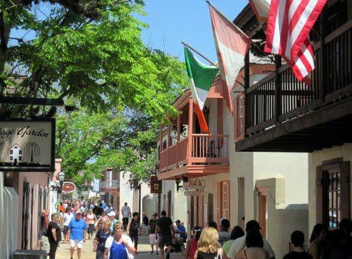 アメリカで最古の町。セント・ジョージ・ストリート。フロリダ旅行のおすすめスポット