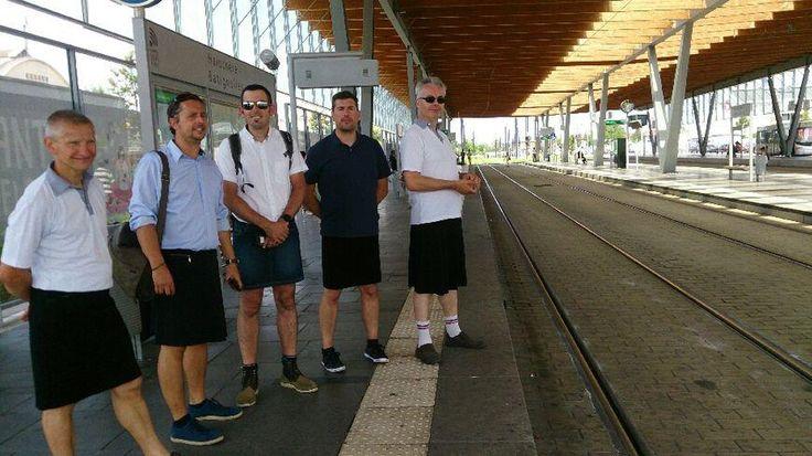 Face à la canicule qui sévit depuis dimanche sur la France, certains chauffeurs de bus nantais se mobilisent pour améliorer leurs conditions de travail.