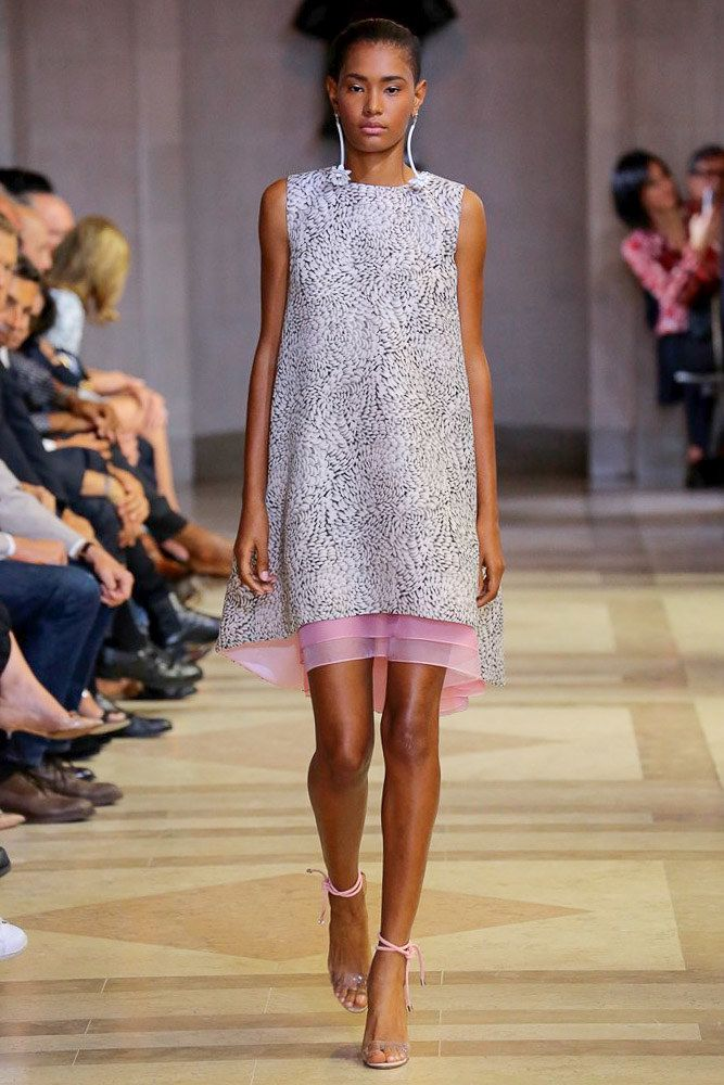 Sommer cocktail dress: Carolina Herrera Spring 2016 Ready-to-Wear Collection Photos - Vogue