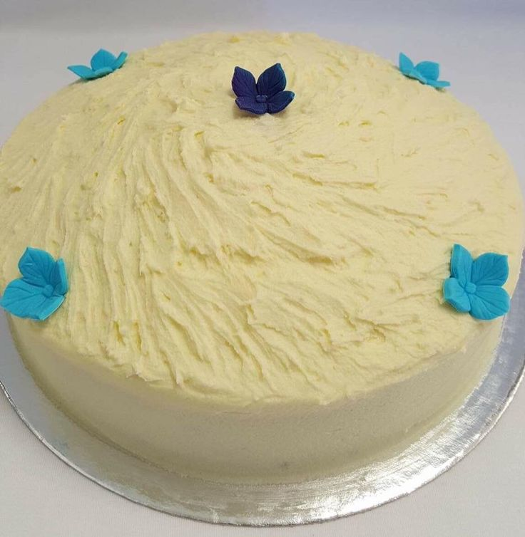 Vanilla Cake with Buttercream Frosting. Decorated by Coast Cakes Ltd