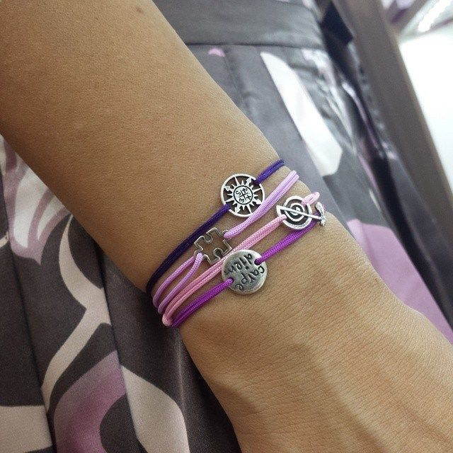 Wearing a silver sacred charm bracelet with talisman, you double your protection: energy talisman connected to your heart through the wrist zone and silver performs its protective function by cleaning and neutralizing the negative aura.