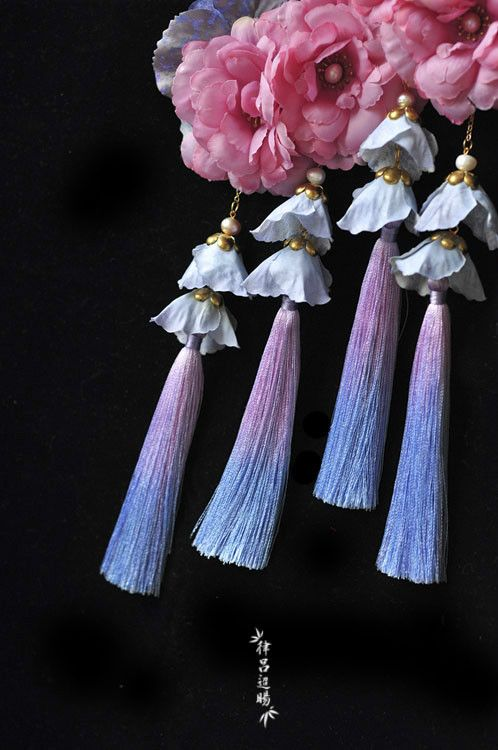 """ziseviolet: """" Handmade Chinese Necklaces and Hair Ornaments by 律吕迢暘, Part 2. (Pt. 1) """""""