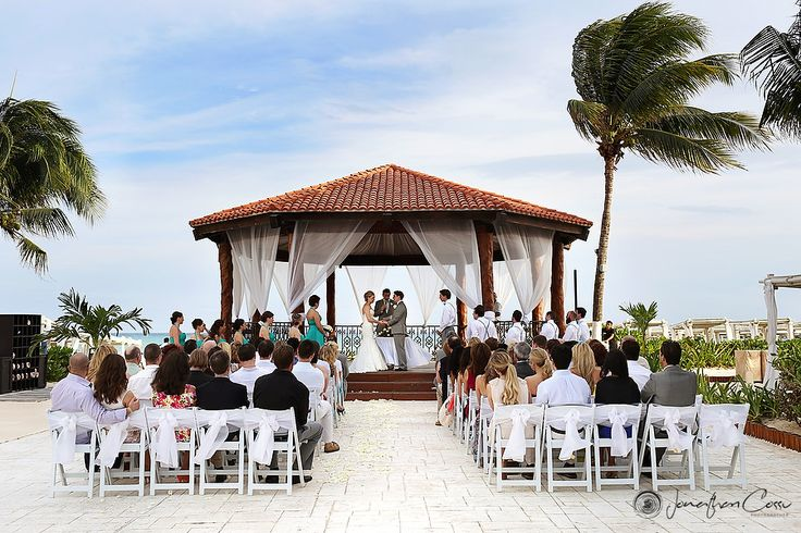Jonathan Cossu |Wedding at THE Royal Playa del Carmen