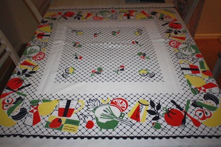 CHARMING 1950's MID-CENTURY VINTAGE  KITCHEN TABLECLOTH