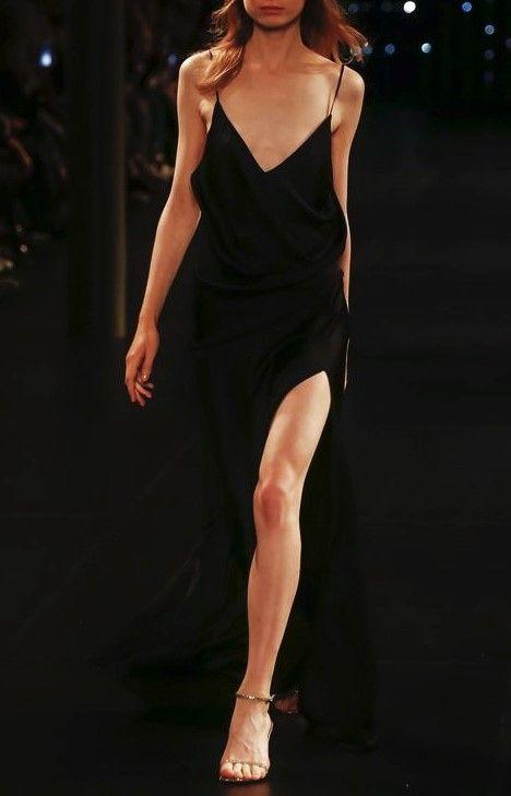Yves Saint-Laurent (prêt-à-porter printemps-été 2016)