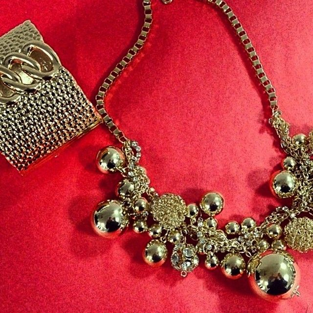 Gold jewels #Doca #fashion #gold #shinny #necklace #bracelet #accessories www.doca.gr