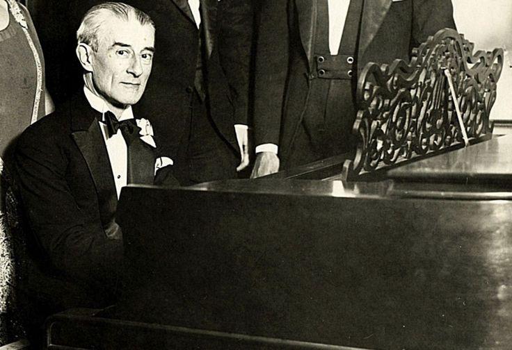 ...Κάποτε ο Στραβίνσκι με χιούμορ είχε παρατηρήσει ότι ο Ravel «ξεπερνά στη μανία για τελειότητα ακόμη και τους Ελβετούς ωρολογοποιούς».