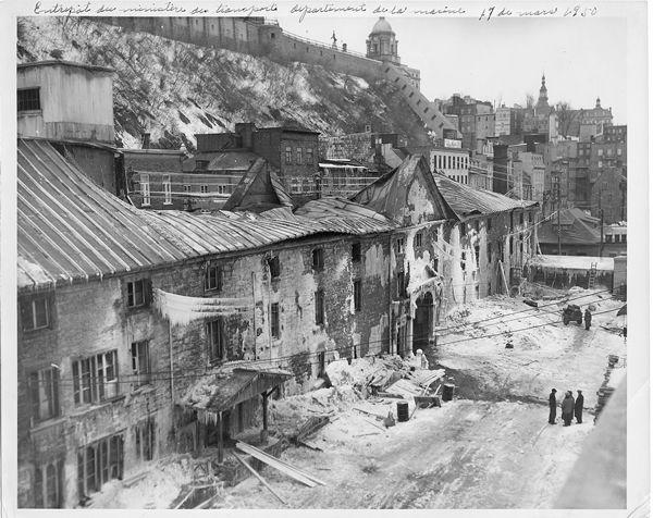La basse ville de Québec, avant renouvellation au milieu du 20me siecle