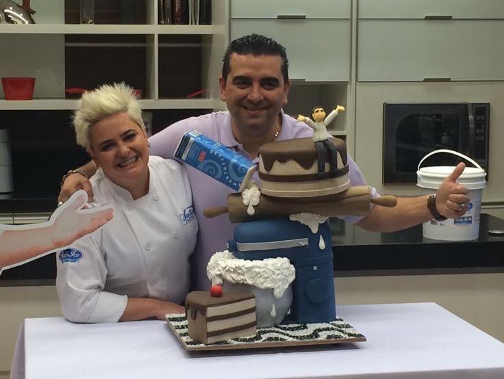 """Me and Buddy Valastro, the """"Cake Boss""""! =o) Eu e Buddy Valastro, o """"Cake Boss""""! =o)"""