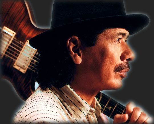 Живущее во всей полноте существо, то смехом, то плачем передавая малейшие изменения в настроении своего хозяина, - так ведет себя гитара в руках великолепного мексиканского гитариста, а имя его - Карлос Сантана