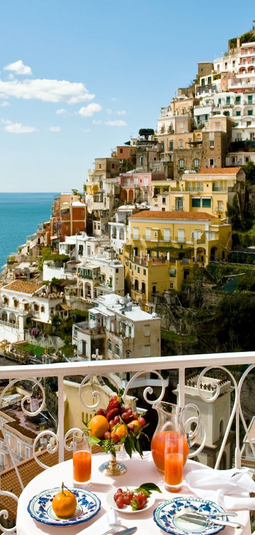 ... le sirenuse – positano, italy Killing me. Wish I was there sipping cocktails so bad right now.