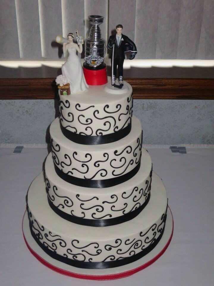 hockey themed wedding cakes 45 best images about my blackhawks hockey wedding ideas on 15261