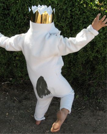 This Where the Wild Things Are costume will make your little wild thing look just like Max. This Where the Wild Things Are costume is surprisingly easy to make.
