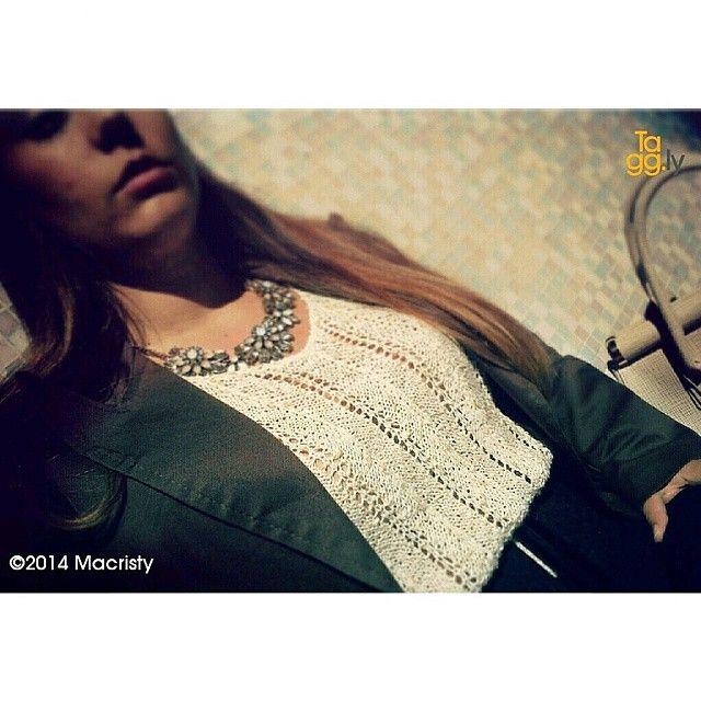 macristy91's photo on Instagram at : http://instagram.com/p/s77OMJKr2I/  My vintage outfit. Necklace by @bijoubrigitte