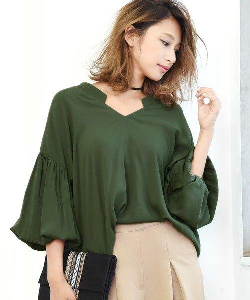 【ZOZOTOWN】philter(フィルター)のシャツ/ブラウス「バルーンスリーブ・Vネックデザインブラウス」(424258)を購入できます。