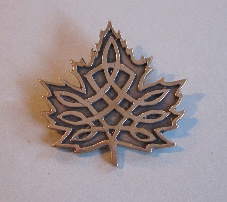 Celtic Canadian Maple Leaf by MasterArks on Etsy https://www.etsy.com/ca/listing/510201264/celtic-canadian-maple-leaf
