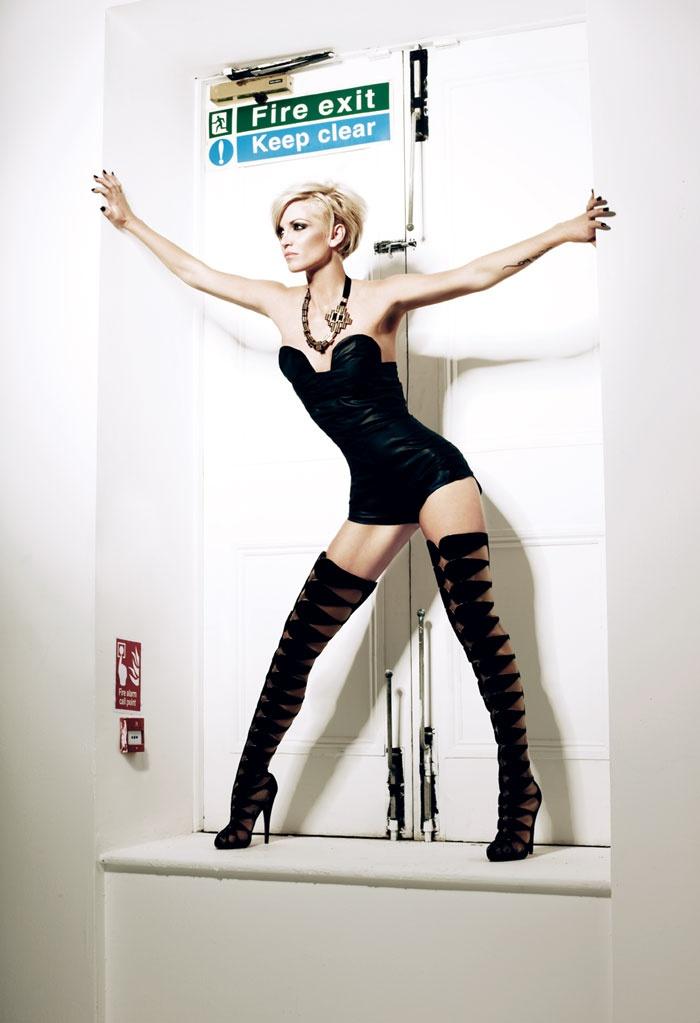 Sarah Harding. Nice boots!
