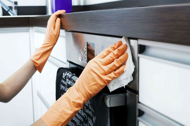 Este cunoscut de toțilucrul că curățenia în bucătărie este cea mai anevoioasă. Sunt atât de multe suprafețe și atât de puțin timp. Trebuie să cureți frigiderul, aragazul, cuptorul, să ștergi petele de pe blat și dulapuri. Iar anume ultima sarcină este cea mai dificilă. Cum se pot îndepărta petele de grăsime de pe suprafețe și dulapuri fără a aduce daune lemnului sau plasticului? Produsele chimice sunt foarte eficiente în aceste cazuri, însă acestea sunt scumpe, iar substanțele abrazive pot…