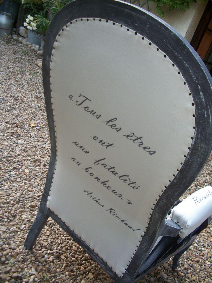 1 fauteuil avec des écritures... j'adore