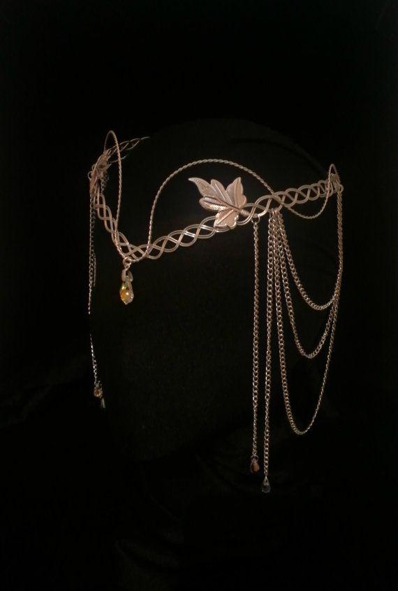 Ce Design est Unique et original à la main par moi ************* Cette belle Elven bandeau inspirée faite en argent plaqué de métaux. Orné