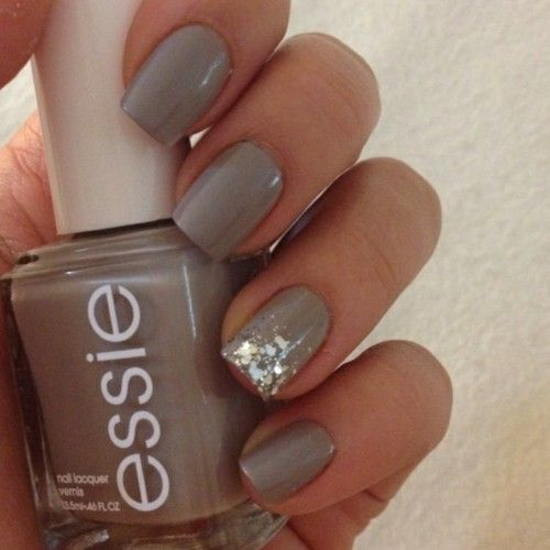 I wish this blogger had given the base color name... I know the glitter color is Luxe Effects in Set in Stones.