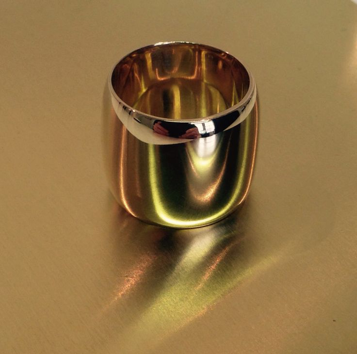 9ct Yellow Gold, 18mm wide luscious ring.