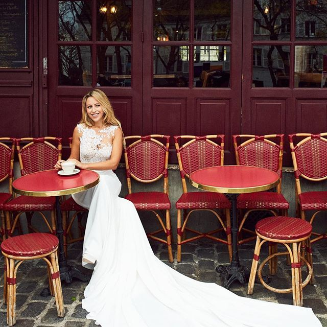 We're thrilled to present Ms. Caroline Bassac (@beauteactive) as our new French edition to the #PronoviasItBrides project! Her debut look features the iconic terraces of Parisian cafés as the backdrop with Natia dress stealing the spotlight! See more – link in bio.
