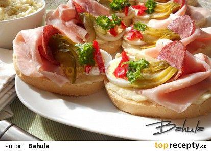 Bramborový salát na chlebíčky recept - TopRecepty.cz