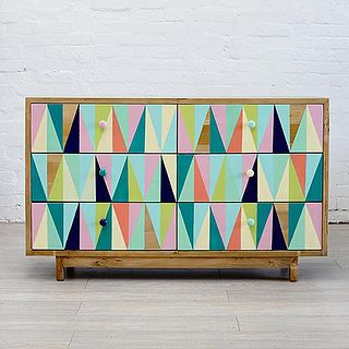 room for kids : love triangles by baby space interiors, via Flickr - Time to paint the toy box lid?