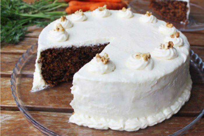Απολαυστικό κέικ καρότου με επικάλυψη κρέμας τυριού!