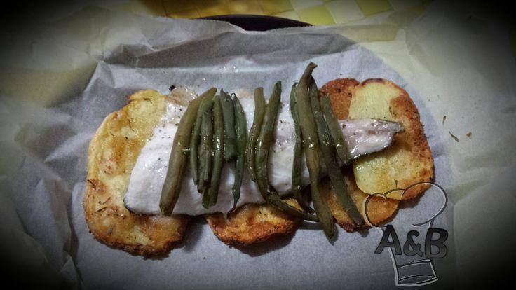 Un modo originale di preparare l'orata. il Cartoccio di Orata, Patate e Fagiolini unisce gusti delicati che esaltano il sapore e il profumo del pesce. #recipe #ricettealebea # ricette #food #vegetarian # orata # bass # patate #potatoes #fagiolini #greenbeans #cartoccio