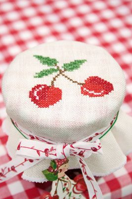 cross stitch cherry jar covers / Kreuzstich Kirsche Marmelade