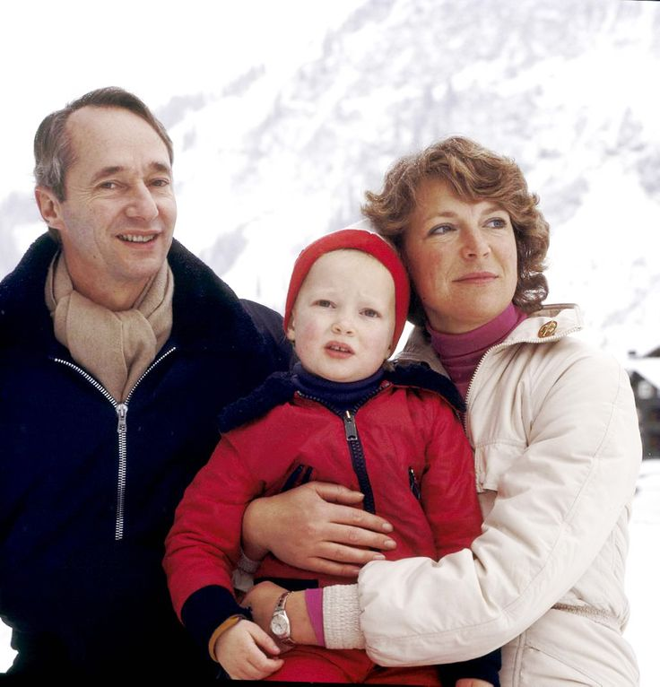 The Royal Watcher : The then Duke and Duchess of Parma with their daughter, Princess Carolina, Marchioness of Sala