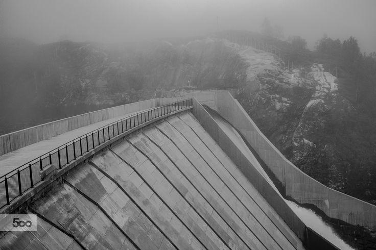 Gullfjellet dam by Rune Hansen on 500px