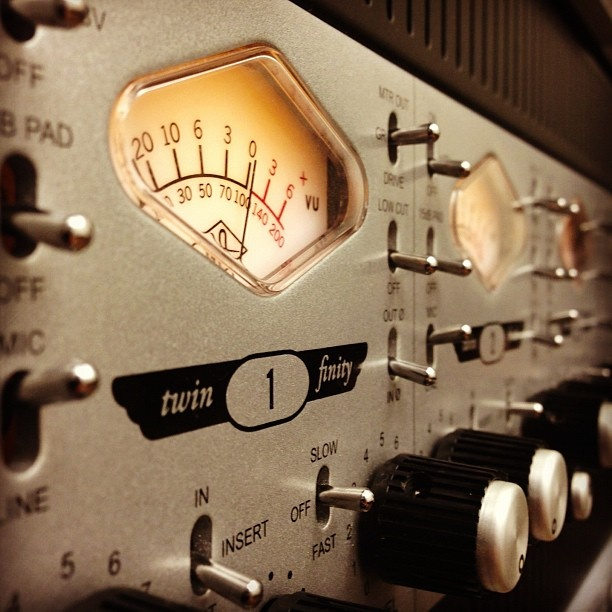 Universal Audio UA 4-710d Four Channel Tube/Transistor Tone-Blending Preamp with 1176-Style Compression and Built-In A/D Converters