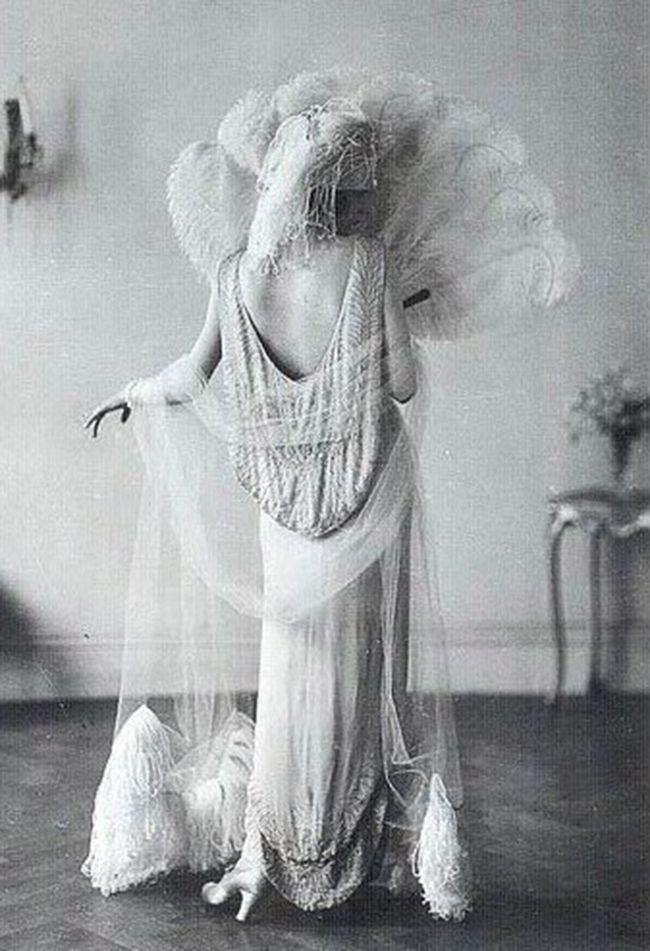 La mode des années 20 : Histoire et Inspirations                                                                                                                                                     Plus