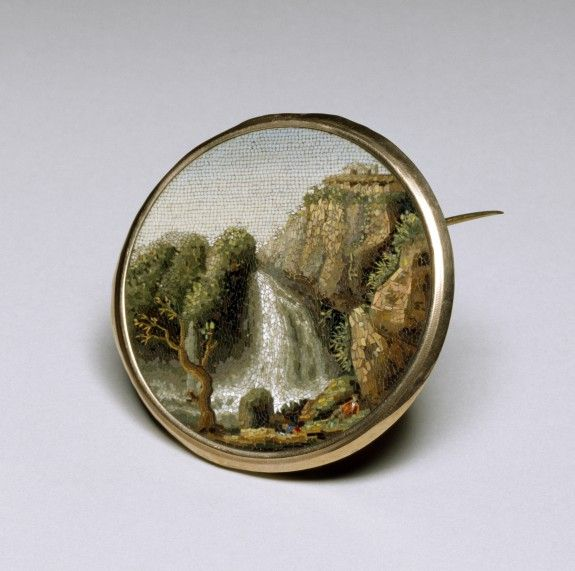 Micro Mosaic Brooch with a Landscape Scene - Italian (Artist)   -   MicroMosaic (Glass Tesserae) On Gold  c. Early 19th Century