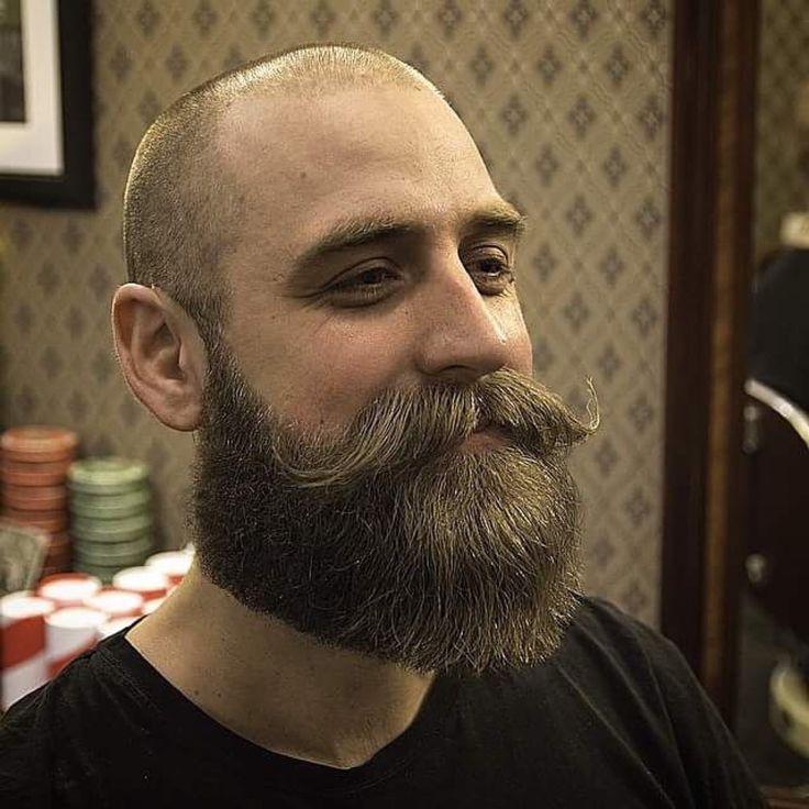 25 melhores ideias sobre careca barbudo no pinterest homens calvos com barbas bart o urso e. Black Bedroom Furniture Sets. Home Design Ideas